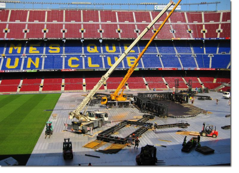 U2_360_CAMP_NOU_STAGE