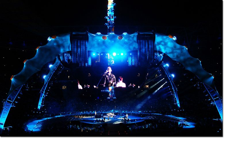 U2_360_STAGE_WEMBLEY