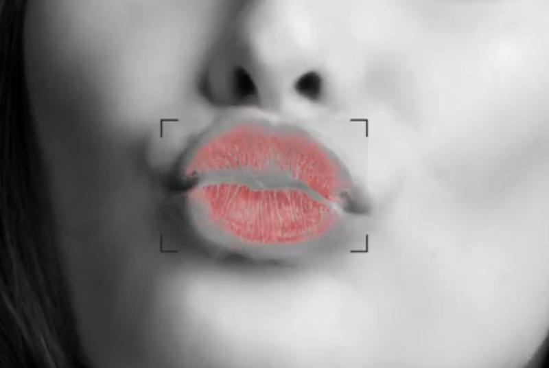 BURBERRY_KISS